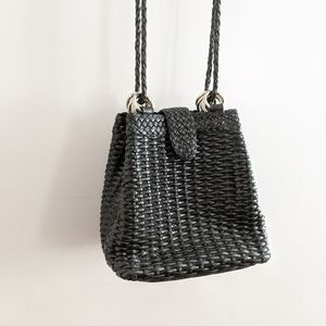 VINTAGE | Lisa Loren Blk Woven Leather Bucket Bag